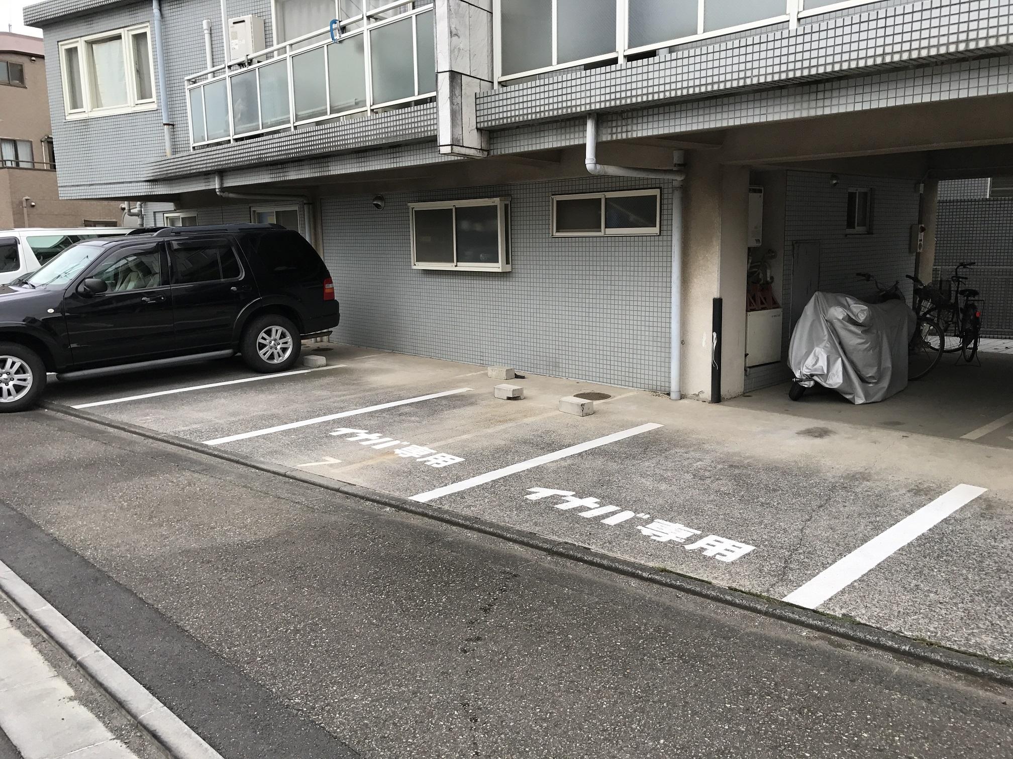 調布富士見町店 駐車スペースも十分に用意されています