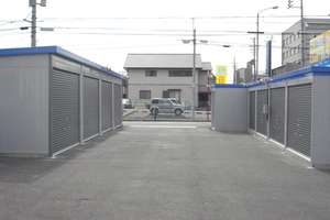 岩塚店 岩塚店の内観