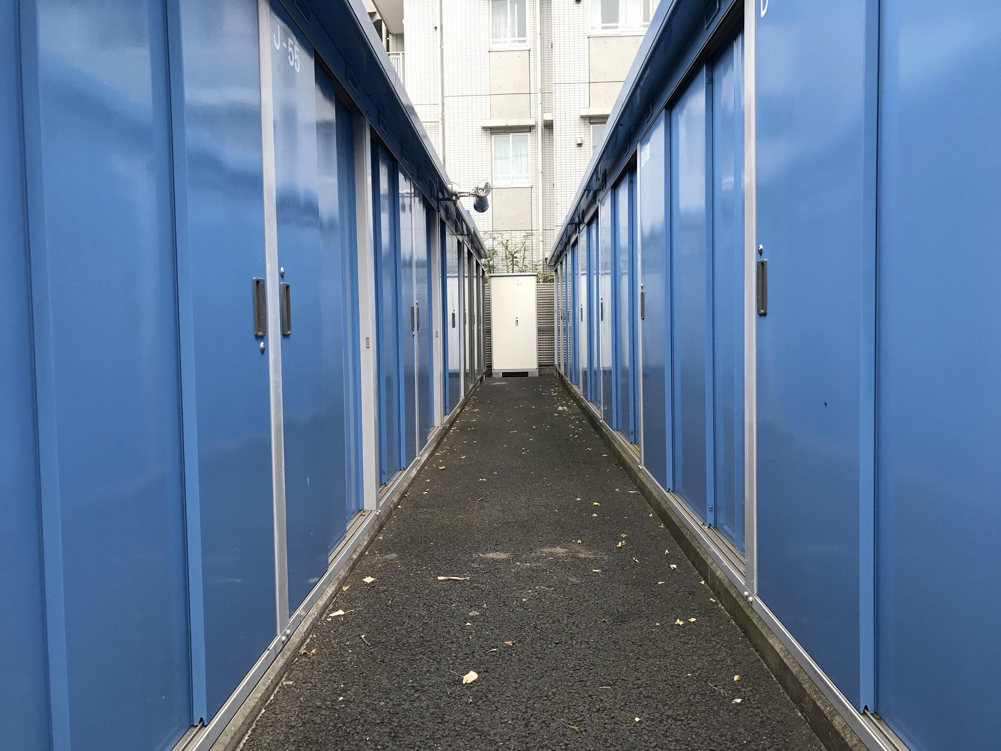 三鷹店 トランクルームは多めに設置しております