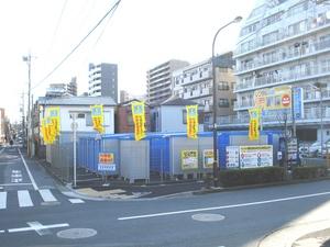 亀有店 周辺は住宅地に囲まれています