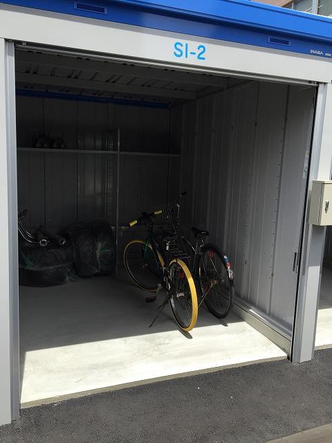 猪之越町店 バイクや自転車の収納に最適