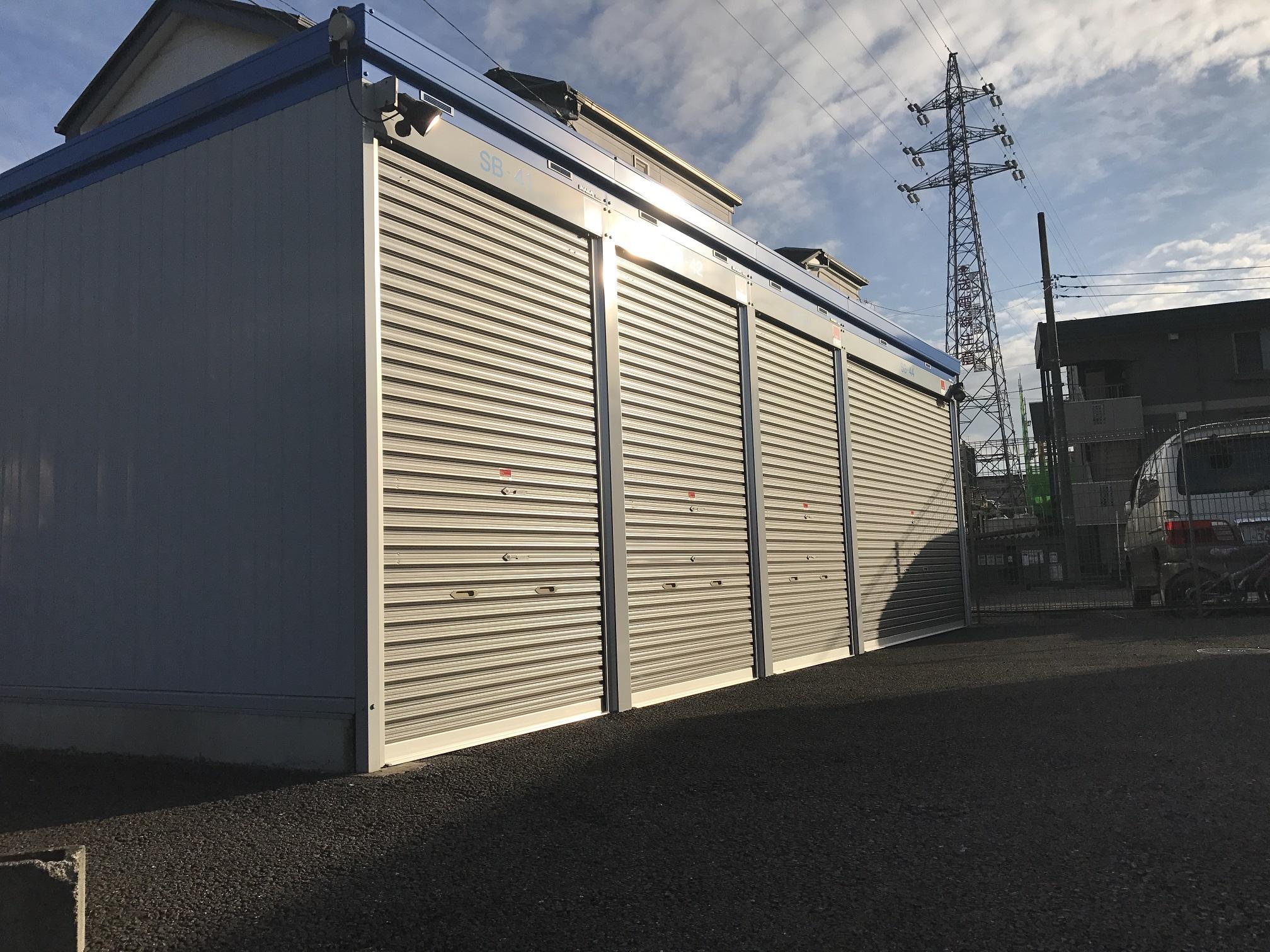 新松戸北店 バイク用のガレージタイプもご用意しております