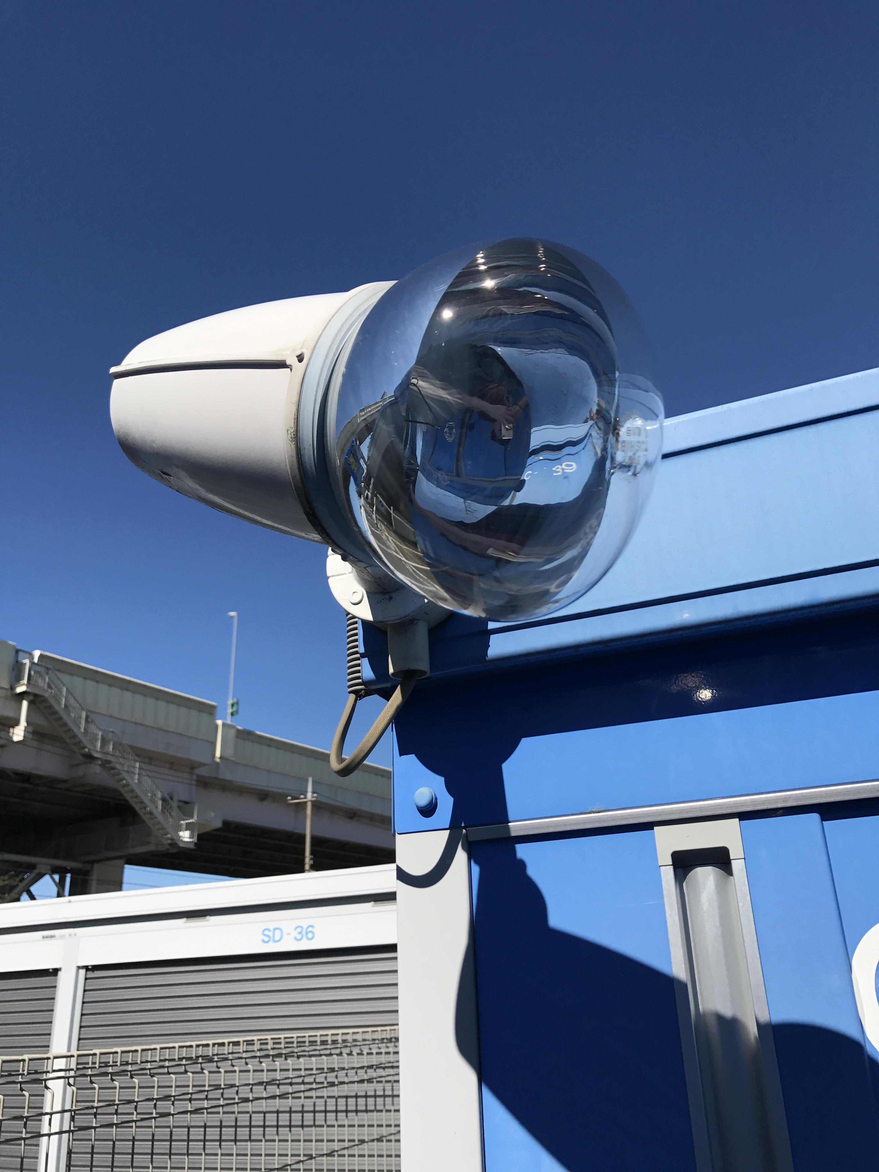 足立店 防犯カメラも設置されているので安心です