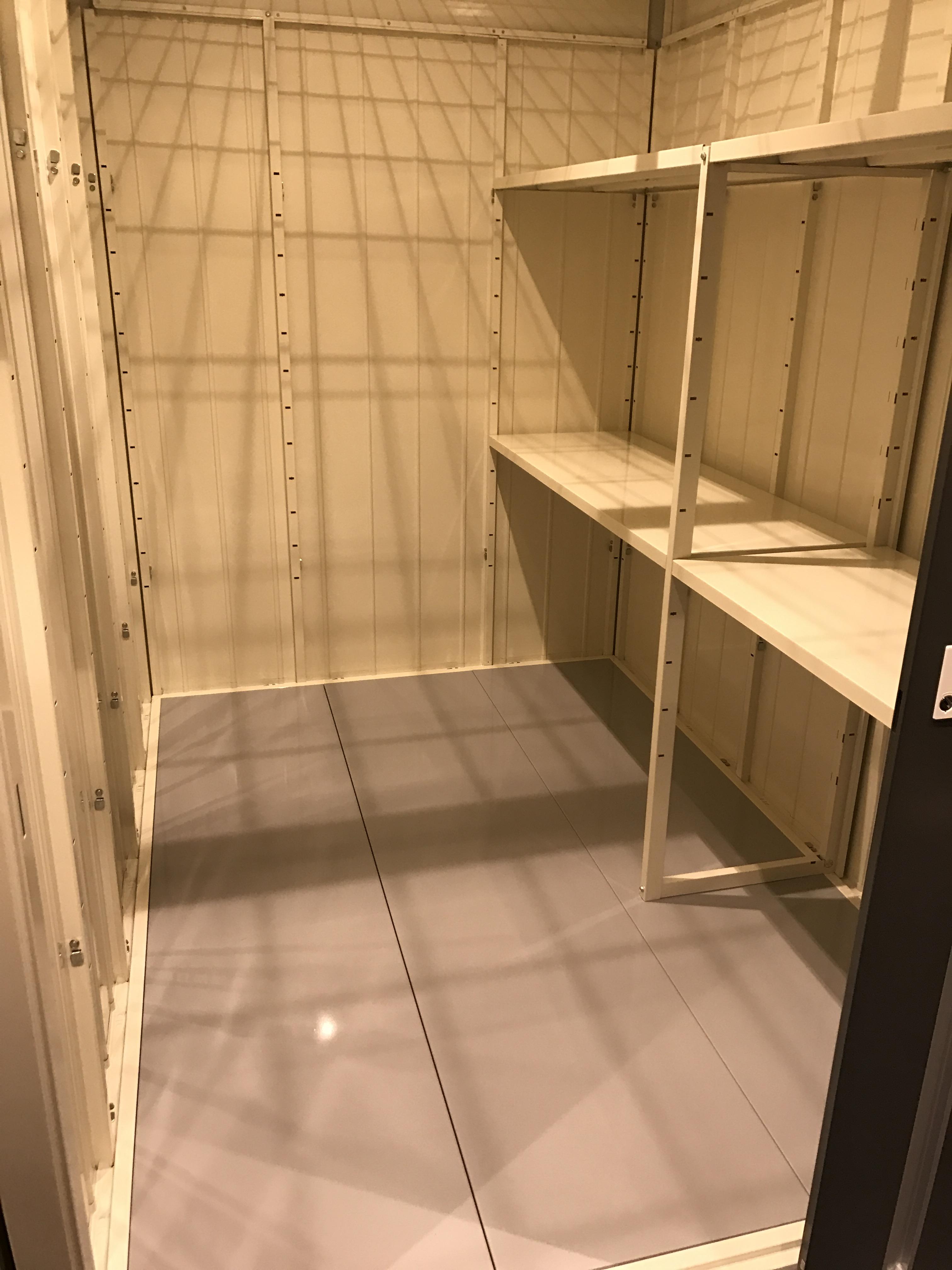INABA96代々木2丁目店 TLタイプ(3.38m2)(2.0畳)(間口×奥行き×高さ:1.53 × 2.21 × 2.04)