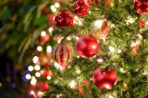 クリスマスツリーの収納はどうする?少ないスペースでも収納できる方法を解説!