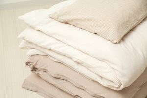 部屋や収納が狭くても布団を上手に収納する方法