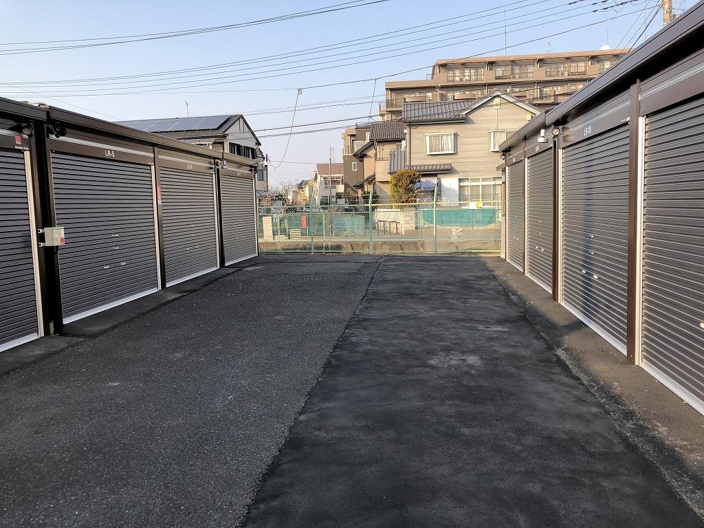 春日部小渕南店 通路は広々としています