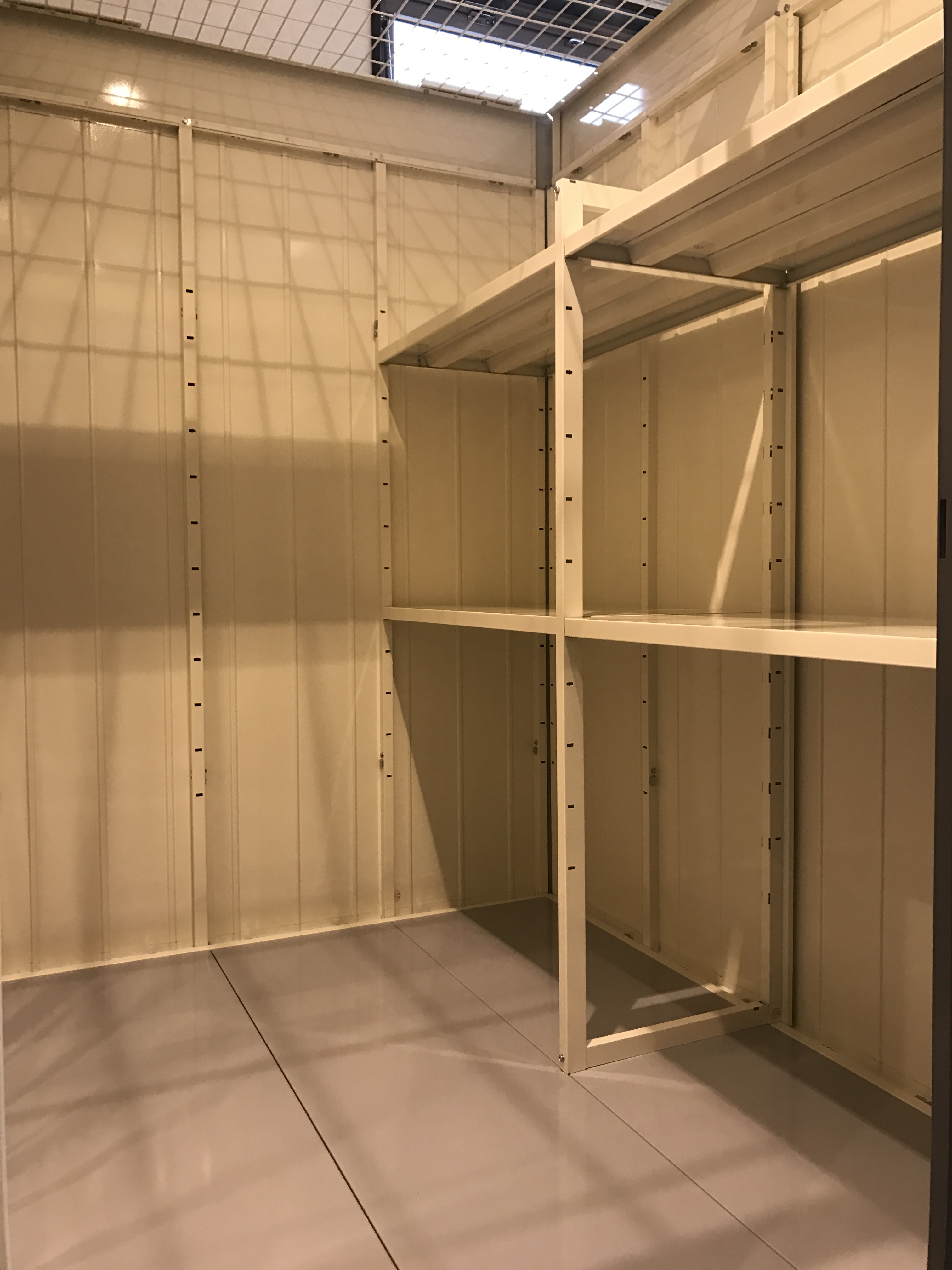 INABA96西保木間店 TIタイプ(1.5畳)(1.37 × 1.37 × 2.34)