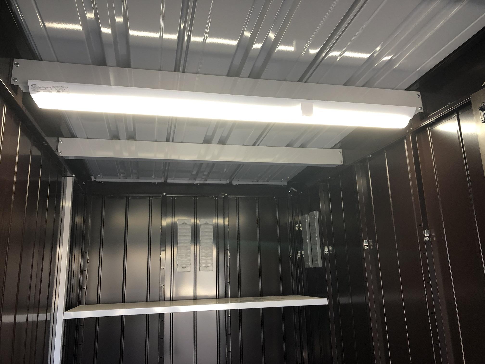 東川口店 庫内照明完備