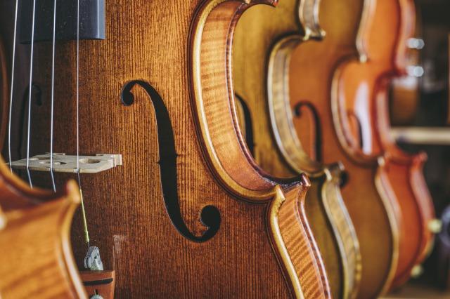 トランクルームで楽器を長く大切に保管する方法