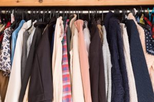 衣替ごとに悩まされる「虫食い」を解決する方法
