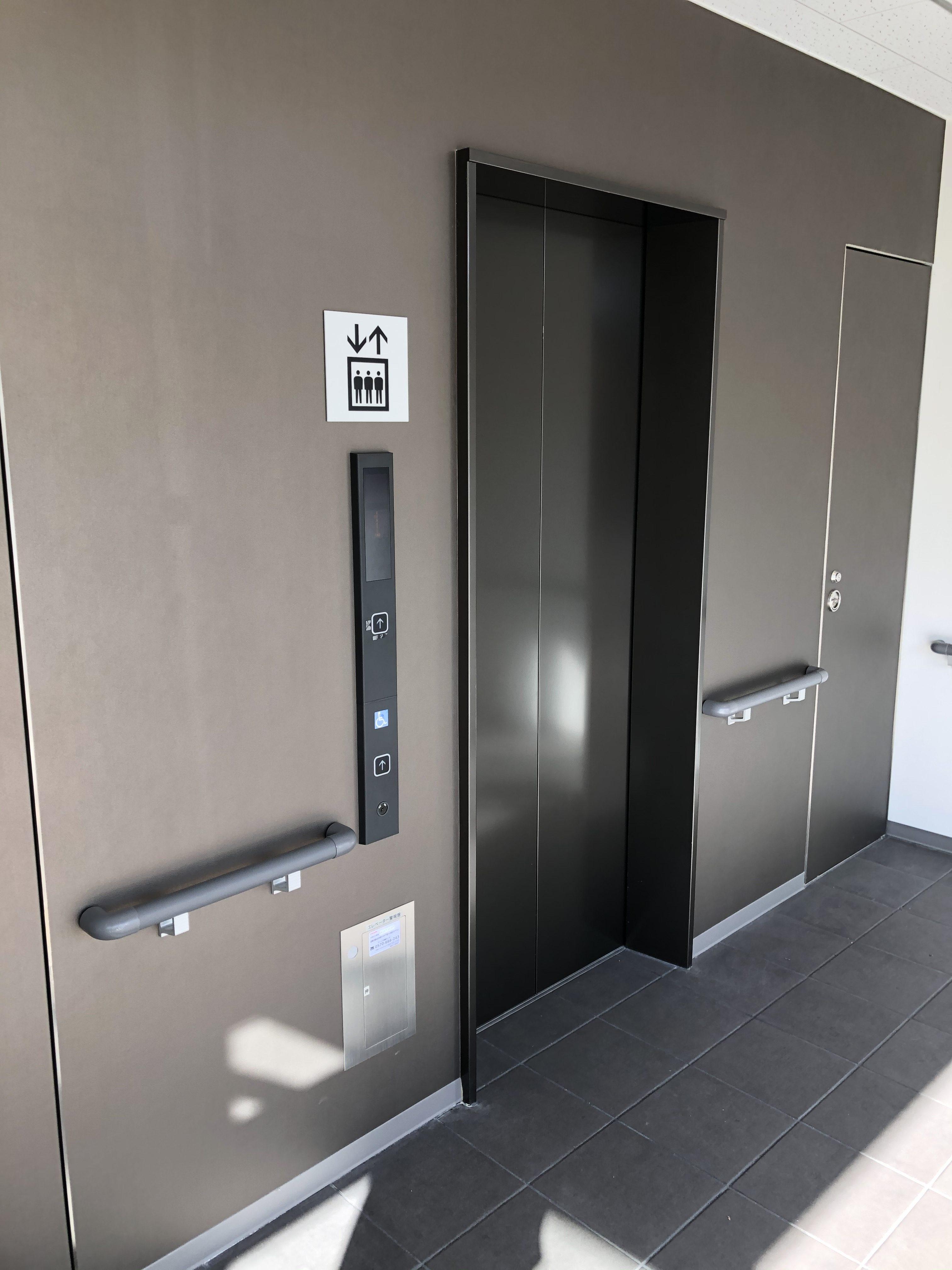 イナバボックス レンタルルーム藤が丘店 エレベーター有