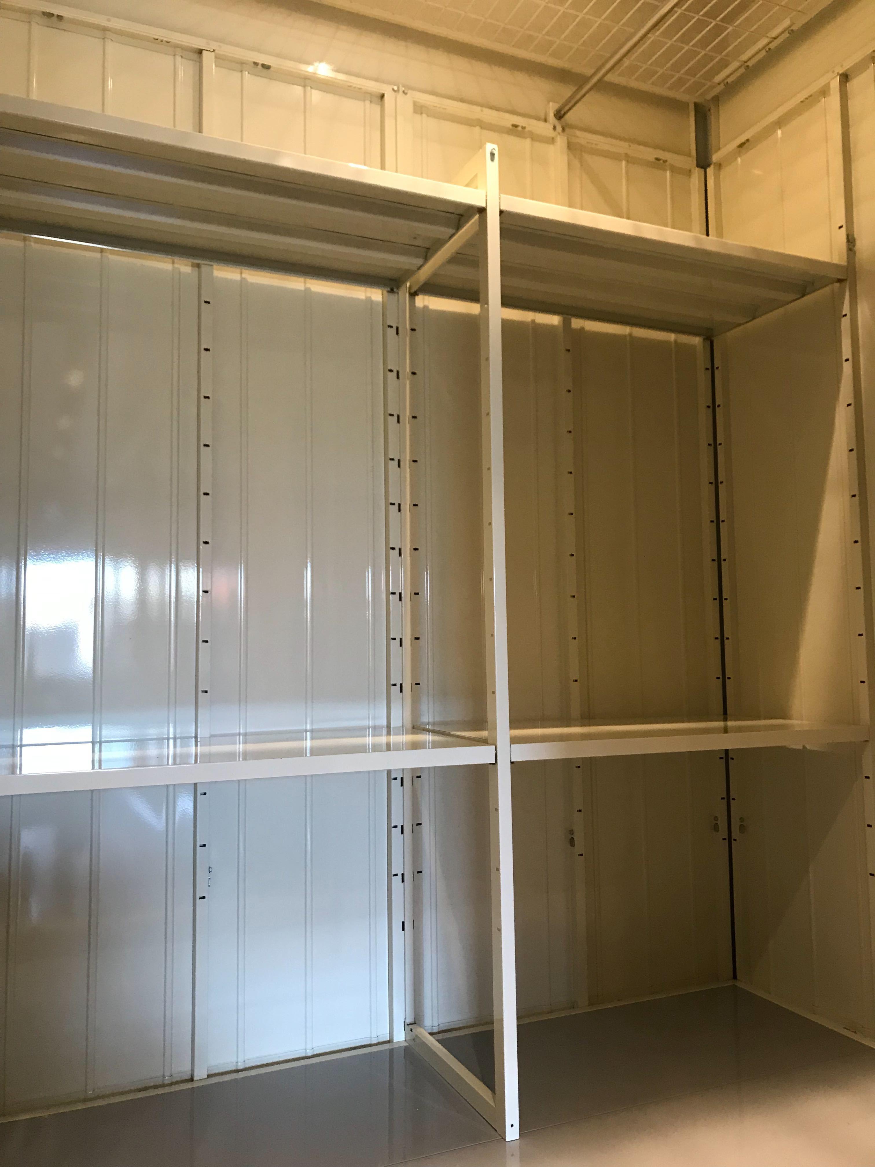 INABA96焼津南店 棚板設置