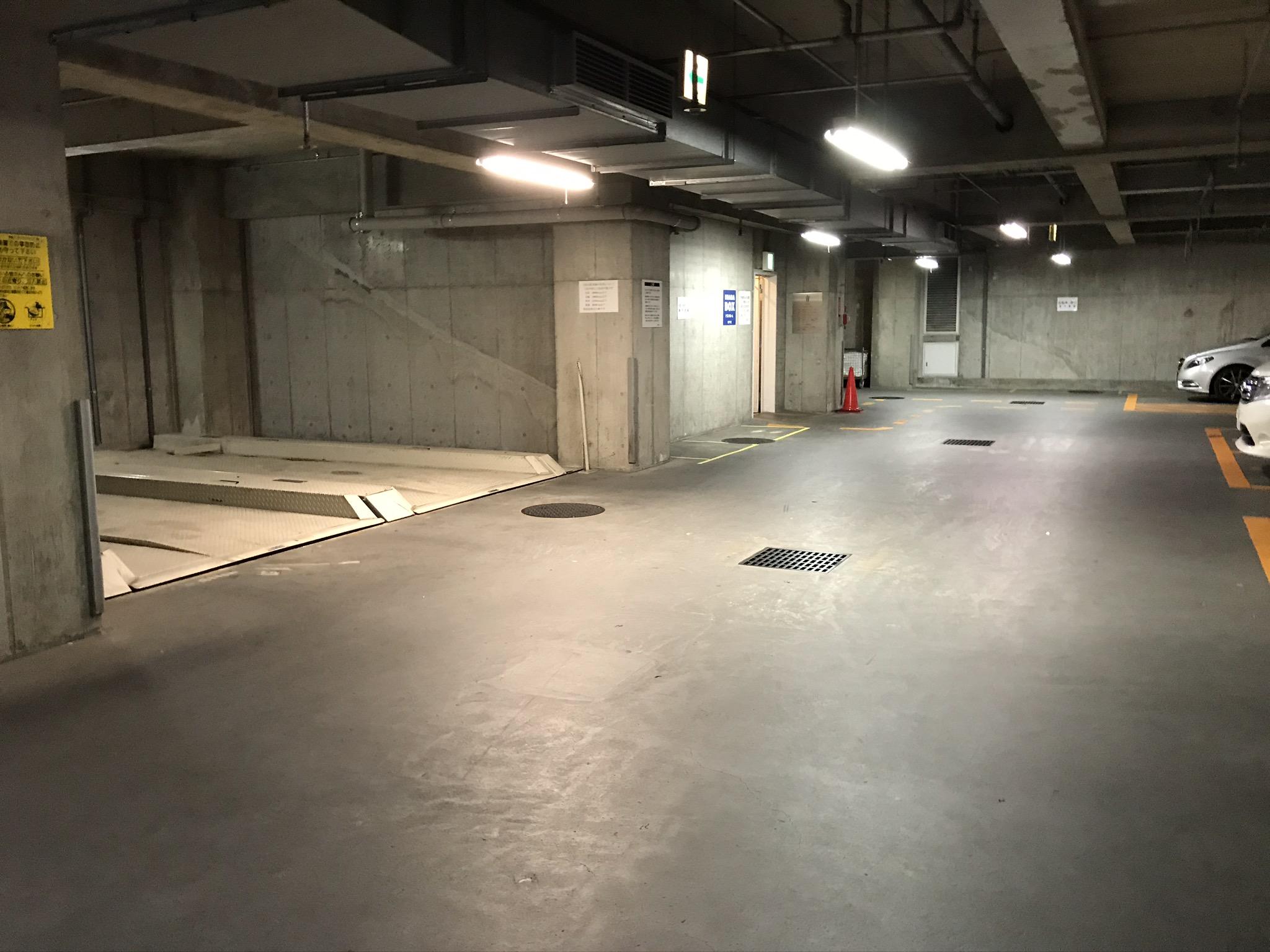 センター南店 第一駐車場